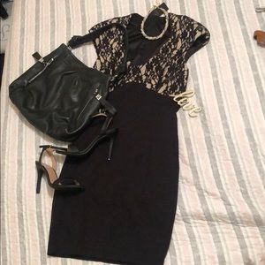 Ted Baker London Dresses - 💕NWT TED BAKER BLACK LACE DETAIL BODYCON DRESS 💕